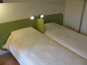 带3张单人床的三人间