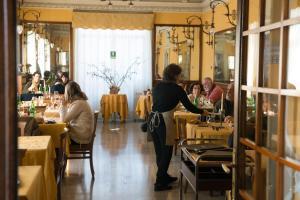 Hotel Olivedo, Hotel  Varenna - big - 132