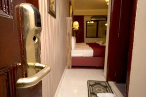 Sutchi Hotel, Hotely  Dubaj - big - 29
