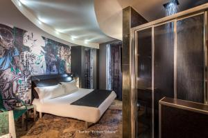 Superior Double Room with Massaging-Jet Shower