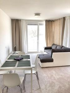Luxury Silence Deluxe by REFA Group, Apartmanok  Prága - big - 2