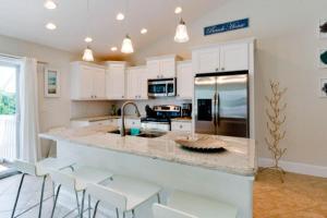 7001 B Holmes Blvd, Дома для отпуска  Holmes Beach - big - 9