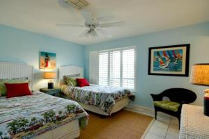 Gulf View Townhome #4, Holiday homes  Holmes Beach - big - 2