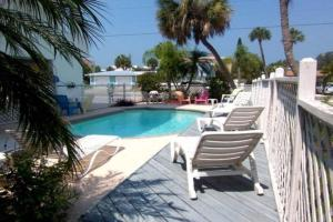 Gulf View Townhome #4, Holiday homes  Holmes Beach - big - 4
