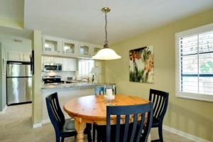 Gulf View Townhome #4, Nyaralók  Holmes Beach - big - 11