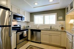 Gulf View Townhome #4, Holiday homes  Holmes Beach - big - 22