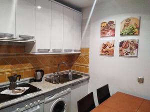 Santa Ana Apartamentos, Ferienwohnungen  Madrid - big - 36