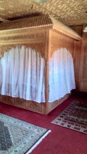 Sher I Kashmir houseboats, Hotels  Srinagar - big - 7