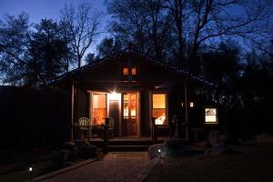 The Lovers' Cabin, Dovolenkové domy  Oakhurst - big - 20