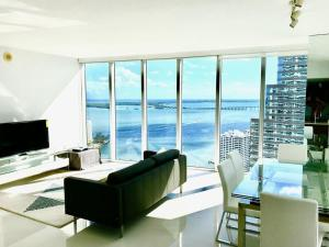 Amazing 2/2 In Iconic Hotel Residences With Spectacular Views, Apartmány  Miami - big - 6