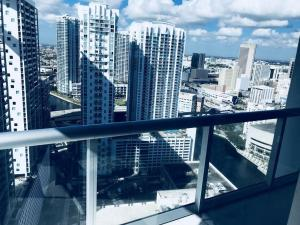 Amazing 2/2 In Iconic Hotel Residences With Spectacular Views, Apartmány  Miami - big - 7