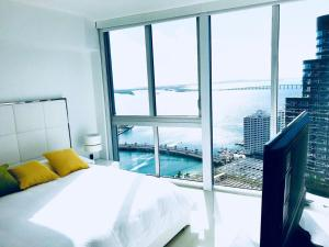 Amazing 2/2 In Iconic Hotel Residences With Spectacular Views, Apartmány  Miami - big - 9