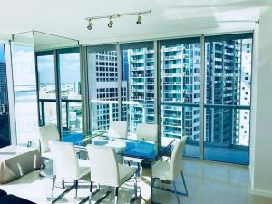 Amazing 2/2 In Iconic Hotel Residences With Spectacular Views, Apartmány  Miami - big - 15