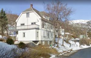 Gundersen House