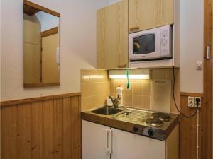One-Bedroom Apartment in Pellosniemi, Apartments  Kyyrö - big - 20
