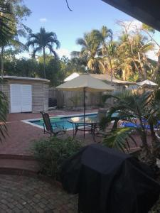 Holiday Home with Private Pool - Petronia 409
