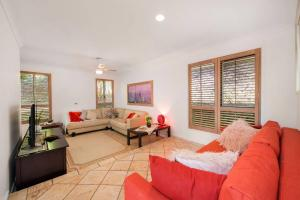 3 BEDROOM Pet Friendly Beach House! (& SMART TV!), Apartments  Gold Coast - big - 5