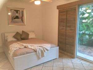 3 BEDROOM Pet Friendly Beach House! (& SMART TV!), Apartments  Gold Coast - big - 6