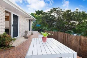 3 BEDROOM Pet Friendly Beach House! (& SMART TV!), Apartments  Gold Coast - big - 10