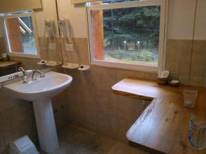 Hosteria Lekun Lekun, Penziony – hostince  Villa La Angostura - big - 9