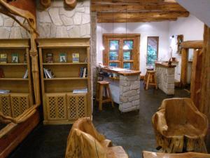 Hosteria Lekun Lekun, Penziony – hostince  Villa La Angostura - big - 53