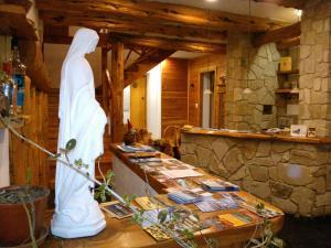 Hosteria Lekun Lekun, Penziony – hostince  Villa La Angostura - big - 58