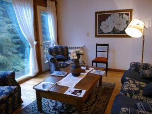 Hosteria Lekun Lekun, Penziony – hostince  Villa La Angostura - big - 50