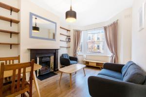 Simon Apartment · London Launchpad (K)