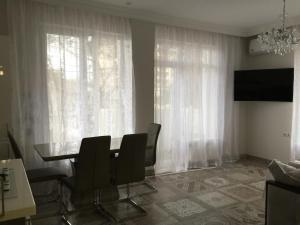 Apartment at Shmidta 6, Apartmány  Gelendzhik - big - 32