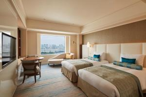 Executive 25th and 26th Floor Deluxe Twin Room - Rainbow Bridge Side - Non-Smoking