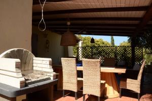 Villa Corallo by DdV, Apartmanok  Olbia - big - 75