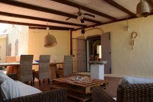 Villa Corallo by DdV, Apartmanok  Olbia - big - 74