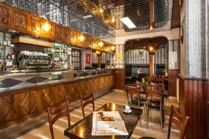 Logis Hotel Des Rochers, Hotely  Marvejols - big - 39