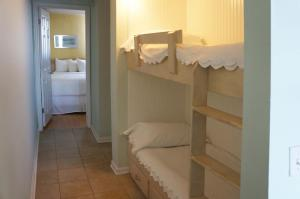 Queen Room with Two Queen Beds and Bunk Bed