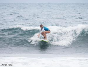 Family Room + 2 surf lessons