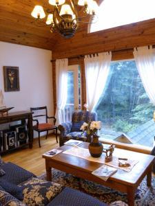 Hosteria Lekun Lekun, Penziony – hostince  Villa La Angostura - big - 51