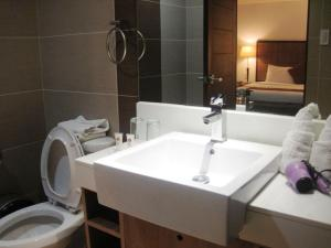 Tyche Boutique Hotel, Hotely  Legazpi - big - 17