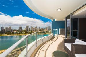 Marina, Apartments  Gold Coast - big - 7