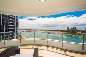 Marina, Apartments  Gold Coast - big - 15