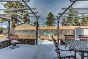 Summer Shade Sanctuary, Holiday homes  Bend - big - 21
