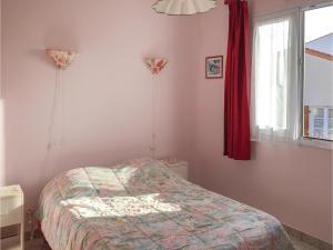 Four-Bedroom Holiday Home in La Tranche sur Mer, Ferienhäuser  La Tranche-sur-Mer - big - 5