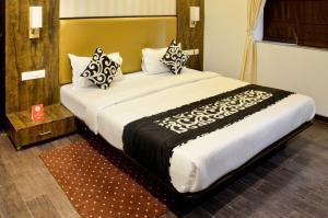 OYO 5777 The President Hotel