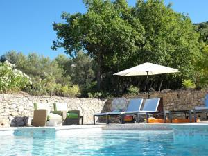 Villa Maubec, Vily  Maubec - big - 40