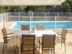 Four-Bedroom Holiday home Sainte Maxime with a Fireplace 08, Holiday homes  Sainte-Maxime - big - 5