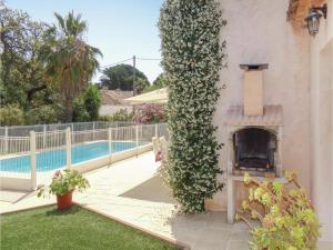 Four-Bedroom Holiday home Sainte Maxime with a Fireplace 08, Holiday homes  Sainte-Maxime - big - 17