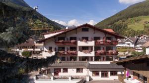 Hotel Hellweger - AbcAlberghi.com