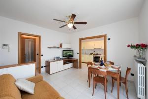La Finestra sul Lago, Apartments  Varenna - big - 16