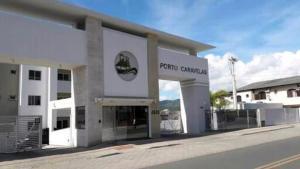 Apartamento na praia de Canasvieiras com wifi, piscinas e ar condicionado nos quartos., Ferienwohnungen  Florianópolis - big - 12