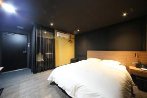 Soho Hotel, Hotely  Busan - big - 20