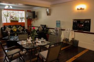 Hostal Los Laureles, Penziony  Calca - big - 39